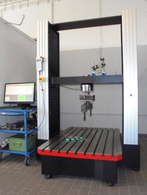 200 KN Prüfmaschine