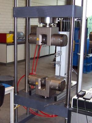 Neue 400 kN Universalprüfmaschine